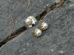 Anillos y pendientes flor y perla... www.cosinasdesara.com
