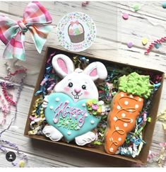 @thesweetestmix made this beautiful cookies! Loving that bow and tag! #sharethecookie #thesweetdesignsshoppe #eastercookies…