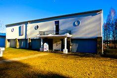 Nelimarkka-Museum. South Ostrobothnia province of Western Finland. - Alajärvi, Etelä-Pohjanmaa. Old Houses, Finland, Westerns, Garage Doors, Outdoor Decor, Home Decor, Museums, Decoration Home, Room Decor