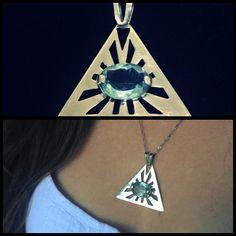 Pingente Olho da Providência em Prata 950 com topázio azul #joalheriaartesanal #handmade #pingente #pendant #joiaautoral