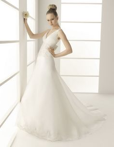 A-Line Sexy Deep V-Neckline spaghetti Straps with Empire Waist and Lace Appliques Zipper Chiffon Wedding Dress
