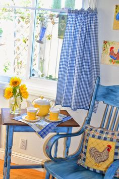 Blue and Yellow Kitchen Decor . 24 Unique Blue and Yellow Kitchen Decor . How to Decorate the Kitchen Using Yellow Accents Blue Yellow Kitchens, Yellow Kitchen Decor, Farmhouse Kitchen Decor, Farmhouse Style, Diy Kitchen, Kitchen Ideas, Gingham Curtains, Blue Curtains, Blue Kitchen Curtains
