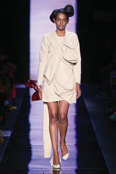 Minnie Muis, Suzaan Heyns se mode-muse by SA-modeweek.