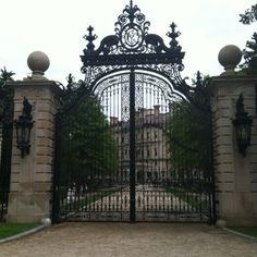 Gate way to heaven