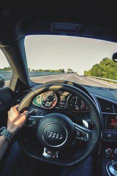 An overview of Audi German cars. Audi pictures, specs and information. Audi A5, Audi 2017, Audi R8 Spyder, Audi R8 V10 Plus, Bugatti, Maserati, Ferrari, Wallpaper Carros, Exotic Cars