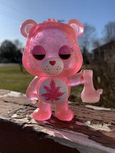 Custom Funko Pop Get High Bear Stoner Bear Pink Glitter Bong Ganja, Weed Bong, Glass Pipes And Bongs, Custom Funko Pop, Stoner Art, Weed Art, Puff And Pass, Bff, Pink Aesthetic