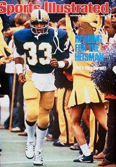 Tony Dorsett of the Pittsburgh Panthers on the cover of Sports Illustrated, November 1976 Pitt Football, College Football Players, Cowboys Football, Football And Basketball, Dallas Cowboys, Panthers Football, Football University, Football Memes, School Football