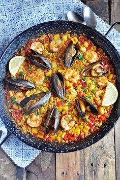 Authentic Spanish Seafood Paella Recipe - Spain on a Fork <br> This Authentic Spanish Seafood Paella Recipe is loaded with flavor and easier to make than you think. Surprise yourself and your guest with this seafood paella recipe from Valencia, Spain. Fish Recipes, Seafood Recipes, Mexican Food Recipes, Dinner Recipes, Cooking Recipes, Healthy Recipes, Ethnic Recipes, Spanish Seafood Paella, Spanish Paella Recipe