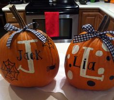I want to do this so bad!   Painted pumpkins