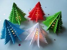 Fold origami for Christmas – 5 detailed instructions and a lot of crafts … - Xmas Origami Christmas Tree, Kids Christmas, Xmas Trees, Origami Ornaments, Tree Decorations, Christmas Decorations, Christmas Ornaments, Origami Diy, Origami Ideas