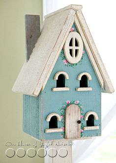Fairy house Bird house made of repurposed coffee pot. Annie Sloan Chalk Paint Projects, Annie Sloan Paints, Decorative Bird Houses, Bird Houses Painted, Fairy Houses, Little Houses, House Painting, Birds, Decoration