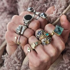 14 handmade δαχτυλίδια από Έλληνες σχεδιαστές.