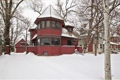 This 1892 Frank Lloyd Wright House Wants Just $775K
