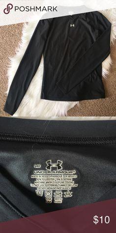 Long sleeve Under Armour EUC size Medium light weight Under Armour Shirts & Tops
