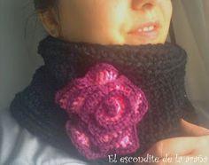 Cuello de ganchillo con rosa en estrella