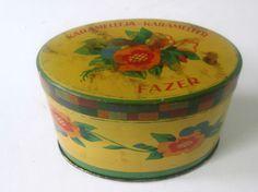 Vintage Karamelleja Karameller Fazer Candy Oval Tin with Lid Flower Design Vintage Tins, Coffee Cans, Flower Designs, Finland, Product Design, Candy, Graphic Design, Flowers, Caramel