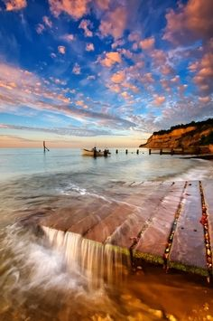 Shanklin Beach, Isle of Wight. … – Jill Shanklin Beach, Isle of Wight. … Shanklin Beach, Isle of Wight. What A Wonderful World, Beautiful World, The Places Youll Go, Places To See, Ile De Wight, Paraiso Natural, Destination Voyage, Belleza Natural, Beach Resorts