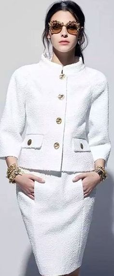 Find tips and tricks, amazing ideas for Chanel resort. Discover and try out new things about Chanel resort site Chanel Cruise, Chanel Resort, White Fashion, Love Fashion, Fashion Outfits, Womens Fashion, Fashion Design, Chanel Fashion Show, Mode Chanel