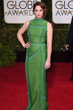 Ruth Wilson in a Prada dress. Amy Poehler, Armani Prive, Golden Globe Award, Golden Globes, Prada Dress, Green Dress, Red Carpet, Awards, High Neck Dress