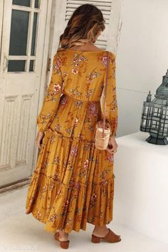 Women chic Floral Print V-Neck Long Sleeve Maxi Dress – ebuytrends Long Sleeve Maxi, Maxi Dress With Sleeves, Floral Maxi Dress, Boho Dress, Sleeved Dress, Beautiful Dress Designs, Beautiful Dresses, Boho Chic, Boho Style