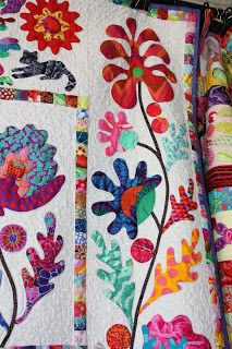 Kim McLean Down Under: Flower Garden Hand Applique, Applique Patterns, Applique Designs, Quilt Patterns, Quilting Projects, Quilting Designs, Quilt Display, Quilt Material, Flower Quilts