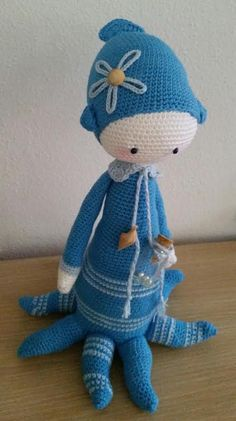 OLEG the octopus made by Yt H. / crochet pattern by lalylala