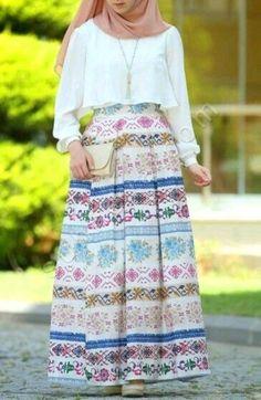 Breathable hijabi outfits – Just Trendy Girls Muslim Women Fashion, Islamic Fashion, Modest Fashion, Fashion Dresses, Hijab Dress, Hijab Outfit, Moslem, Modele Hijab, Hijab Fashion Inspiration