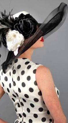 LADIES HATS 1 | black / white hat.