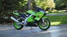 Auction Lot Las Vegas, NV The Bob Weaver Collection. Unbelievably clean and original. You will not find cleaner one Kawasaki Zx9r, Bike Pic, Nature Wallpaper, Vroom Vroom, Cool Bikes, Motorbikes, Ninja, Las Vegas, Auction