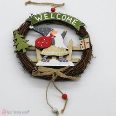 Χριστουγεννιάτικο στεφανάκι Merry Christmas Wooden Products, Grapevine Wreath, Grape Vines, Wreaths, Christmas Ornaments, Decoration, Holiday Decor, Home Decor, Decor