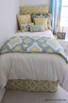 Custom dorm bedding packages from Cute dorm room bedding sets complete with throw pillows, duvet cover, bed skirt, headboard and more. Each dorm xl bedding set is a full dorm room look! Dorm Bedding Sets, Blue Bedding, College Bedding, Bedding Storage, Girl Bedding, Girls Bedroom, Bedroom Decor, Bedrooms, Bedroom Ideas