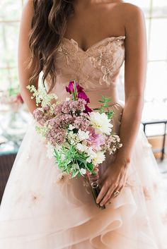 30 wildflower wedding bouquets not just for the country wedding