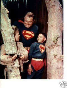 Rankin/Bass-historian: Superman - George Reeves with two fans First Superman, Superman Stuff, Superman Family, Batman And Superman, George Reeves, Superman Cosplay, Adventures Of Superman, Action Comics 1, James Cagney