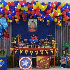 Festa super bacana e colorida de Super Heróis! 💥👊🏻💥 #kikidsparty #festasuperherois por @salameminguee