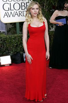 Who made Scarlett Johansson's red dress and jewelry that she wore to the 2006 Golden Globes? Scarlett Johansson, Hollywood Film Festival, Black Widow Natasha, Star Wars, Voluptuous Women, Elizabeth Olsen, Valentino, Celebrity Outfits, Beautiful Actresses