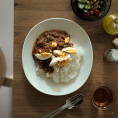 スコープ別注でアラビア エエヴァを復刻。スタンダードな白いお皿エエヴァは、パラティッシで有名なカイピアイネンがデザイン。ティーマユーザーもパラティッシユーザーも同じテーブル上で一緒に使え、使い廻しが広く可能になる洋食器です。
