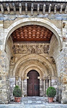 Carrión de los Condes,  Santa María del Camino Romanesque Art, Romanesque Architecture, Sacred Architecture, Beautiful Castles, Beautiful Sites, Beautiful World, Beautiful Places In Spain, Arch Gate, California Missions