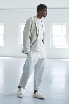 Studio Nicholson Thoughtfully Tweaks British Style Staples: Heritage garments elevated by a pristine palette and clean lines. Cozy Fashion, White Fashion, Mens Fashion, Cos Man, Shoe Store Design, Studio Nicholson, Smart Casual Men, Stylish Boys, Men Street