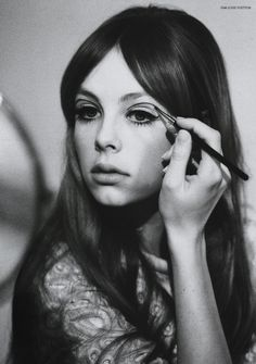bored, 60s, eyeliner, dramatic, pretty, beauty queen, tired