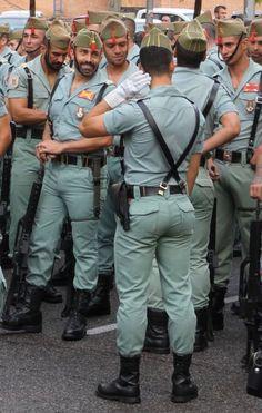 dick world Hot Army Men, Sexy Military Men, Scruffy Men, Hairy Men, Black Muscle Men, Men In Tight Pants, Sexy Tattooed Men, Spanish Men, Hunks Men