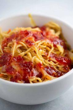 Ramen Noodle Cabbage Stir Fry Recipe - Build Your Bite - Cabbage recipes - Asian Homemade Stir Fry Sauce, Homemade Ramen, Cabbage Stir Fry, Fried Cabbage, Stir Fry Recipes, Cooking Recipes, Potluck Recipes, Rice Recipes, Crockpot Recipes