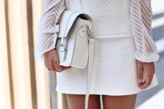 All white with Oslo Grafea Satchel www.grafea.com #그라페아 #사첼백 #가죽 #스타일 #화이트
