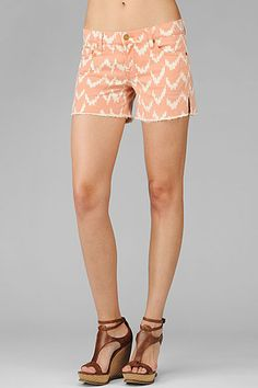 Carlie cut off short in coral ikat