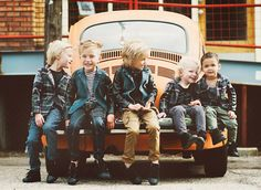 so cute. @Heather Creswell Creswell Savas: I thought of you when I saw this. Great kid photo shoot idea!!