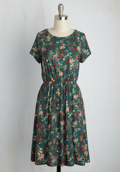 Keep an Open Greenhouse Floral Dress. Your gals love to pop by for a visit anytime youre preening to your posies - better yet if you're in this forest green dress. #multi #modcloth