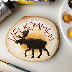 """I'm starting the 1st of October off with autumn colors! 🍁🍂 I don't know about you guys, but leaves are starting to change color here in Norway. 😆 As you can see, I painted a moose on a slab of wood. And for those who are wondering, """"Velkommen"""" means welcome in Norwegian.  . . . #acrylicpainting #naturedrawing #natureart #moosepainting #welcomesign #naturepainting #iloveart #kunst #norskkunst #maleri #elg Nature Drawing, Wood Slab, Nature Paintings, Color Change, Amazing Art, Norway, Moose, October, Leaves"""