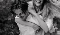 Couple Photoshoot by Sandra Herrero Photography® Amsterdam Photographer. #Couplegoals #couplessession #Amsterdamphotoshoot #piggyback #jumpon #coupleideas #blackandwhite #b&w #sandraherrerophotography Couple Photography, Couple Goals, Love Story, Amsterdam, Photoshoot, Memories, Couple Photos, Couples, Nature