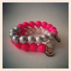 Indie-ish mix armband zilver neon roze. Pink neon bracelet by indie-ish.nl