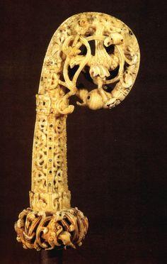 Crozier. Ca 1120-1130. Ivory. Musée du Moyen Age. Cluny. France
