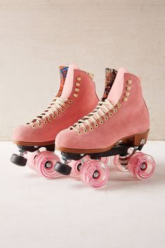 Suede roller skates that'll be equally fun to use as trendy decor as they will be to wear. 35 Cool Gifts To Give Yourself And No One Else Roller Derby, Retro Roller Skates, Roller Skate Shoes, Quad Roller Skates, Roller Skating, Outdoor Roller Skates, Rollers, Snowboard Girl, Figure Skating